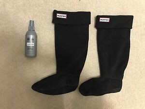 Hunter boot fleece inserts and finishing spray
