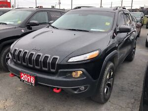 2016 Jeep Cherokee TRAILHAWK**LEATHER**SUNROOF**NAV**BACK UP CAM