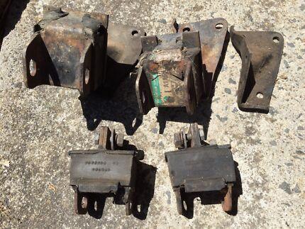 Holden 6 cyl engine mounts.