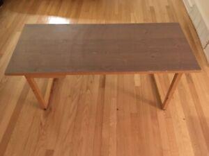 Table basse en pin teindu gris
