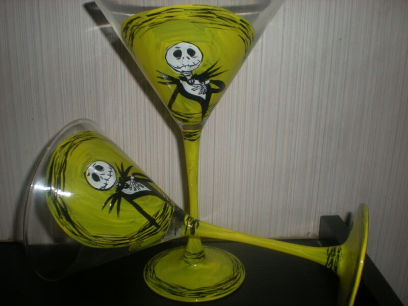 HANDPAINTED NIGHTMARE BEFORE CHRISTMAS SET OF4 MARTINI GLASS (MADE IN THE USA)