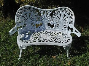 White metal love seat Mudgee Mudgee Area Preview