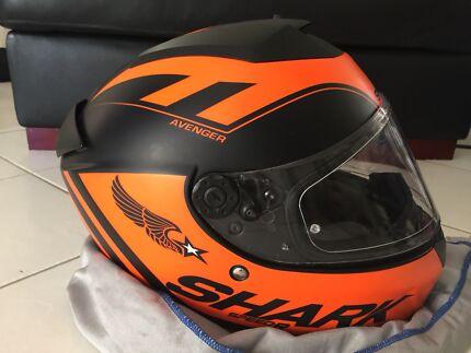 Shark speed-R avenger Motorbike Helmet