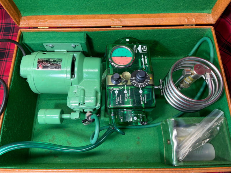 Carefusion Bird Mark 7 Pneumatic Respirator & Bell And Gossett Compressor
