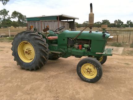 1965 John Deere 2010 Tractor for sale Owen Wakefield Area Preview