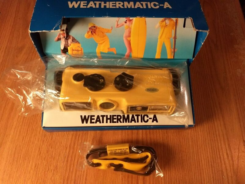Vintage MINOLTA Weathermatic-A Camera New Old Stock with original box