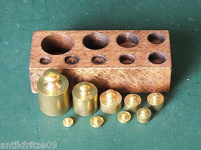 Apotheker Gewichte Gewichtssatz Apothekergewichte Messing 9 Stück im Holzblock