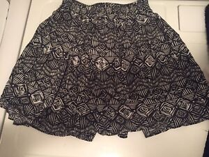 Ardene patterned skirt size extra small