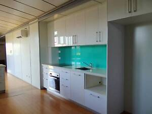 ROOM IN 4x4 HOUSE-FURNISHED!OWN BATHROOM! NO LEASE! NO BOND! Baynton Roebourne Area Preview