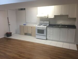 1 bedroom basement available for rent in Central Mississauga