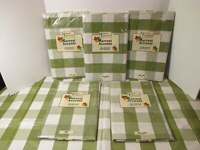 Easy Wipe Vinyl - Christmas Holiday Green White Plaid Vinyl & Flannel Backed Easy Wipe Tablecloth