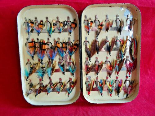 A VERY GOOD VINTAGE EARLY HARDY 40 CLIP SALMON FLY TIN + FLIES
