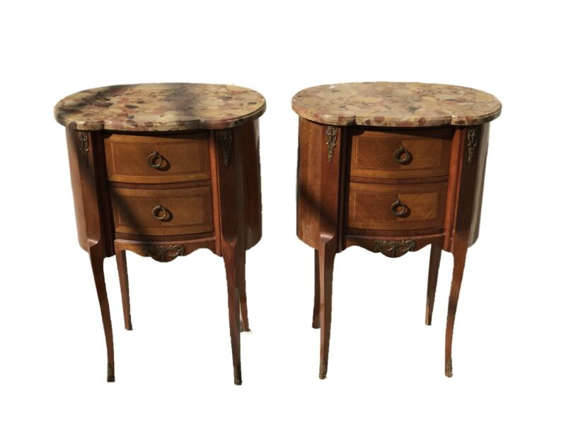 FRENCH WALNUT MARBLE TOP KIDNEY SHAPE ANTIQUE STYLE NIGHTSTANDS / END TABLES