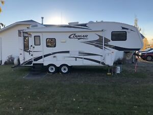 244EFS Model Cougar 5th wheel with Polar Package