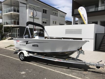 Stacer 469 outlaw with offshore motor well