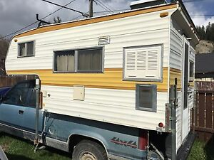 Selling 9ft Vanguard camper