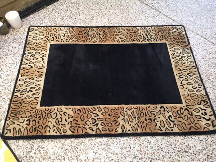 Hand Knotted 100 Wool Rug From India