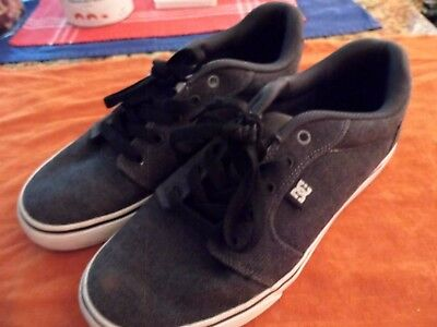 Men's DC Skateboarding Shoes Size 7