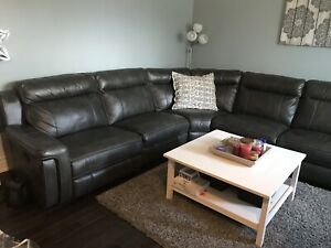 Grey sectional couch - Leons