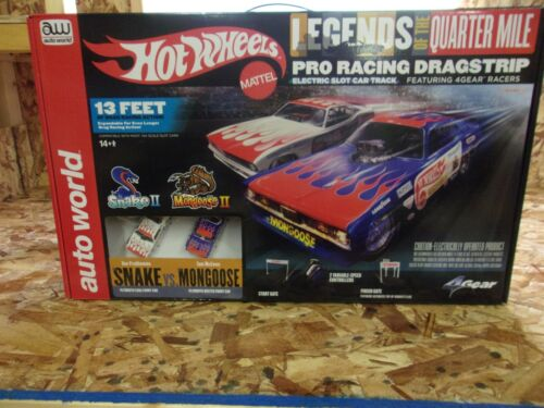 NEW AUTO WORLD Hot Wheels Legends of the Quarter Mile Pro Racing Dragstrip