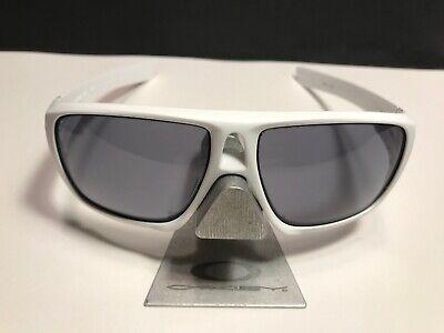OAKLEY DISPATCH MATTE WHITE / GREY (Matte White Sunglasses)