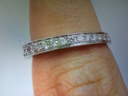 STUNNING SOLID WHITE GOLD AND DIAMOND RING WITH VALUATION Greenwith Tea Tree Gully Area Preview