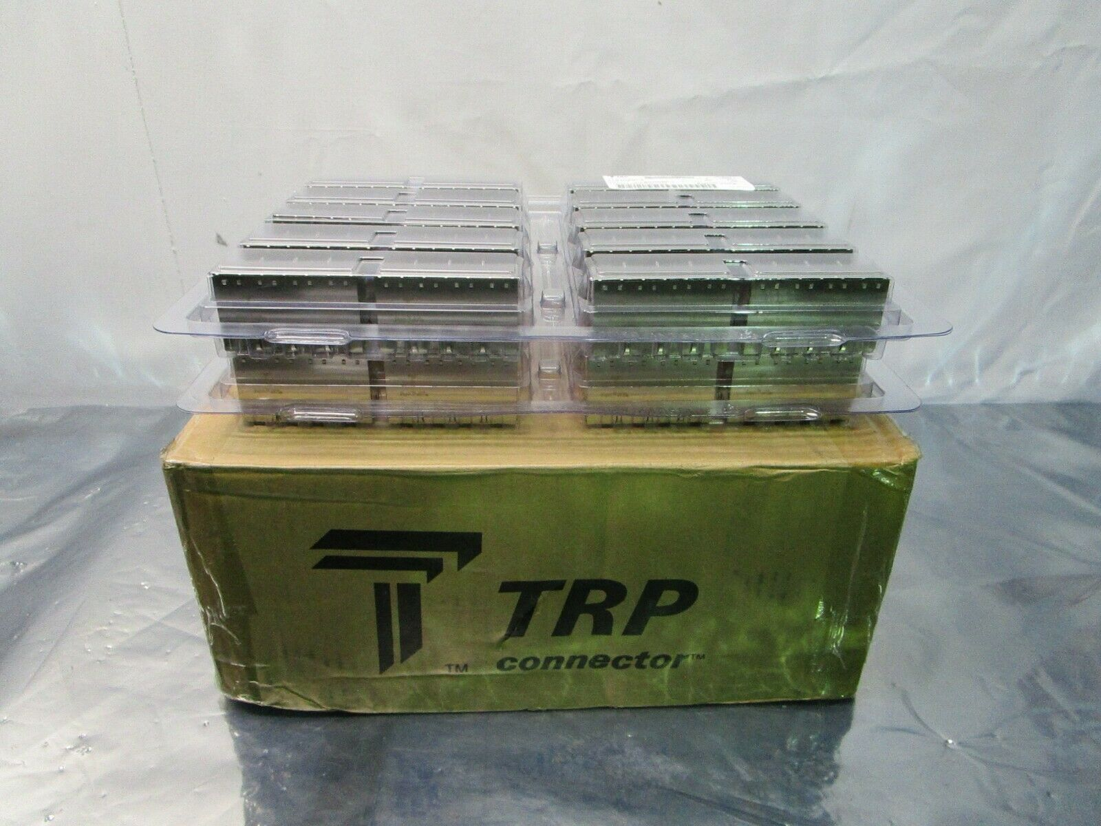 1 Lot of 40 TE Connectivity 1840230-4 TE Connectivity 2X4 MAG45 OFFSET, 102452