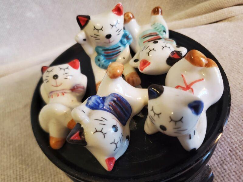 Beckoning Cat Chopstick Rest Happy Kokoy Come On, On. Set Of Made Ceramics