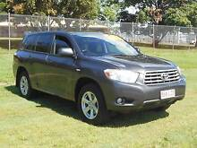 Toyota Kluger Wagon Bungalow Cairns City Preview
