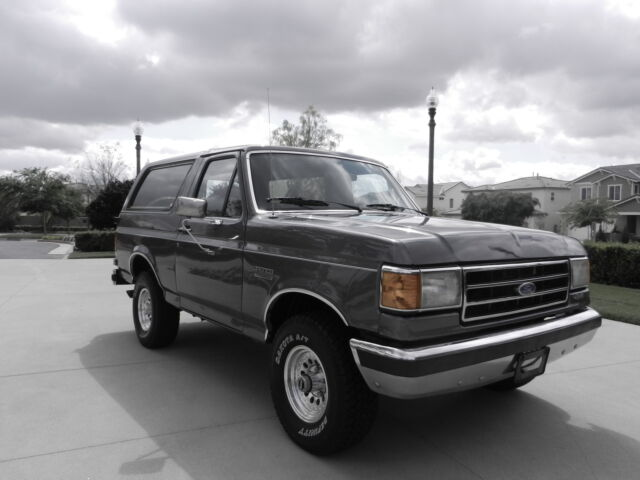 Image 1 of Ford: Bronco XLT Gray