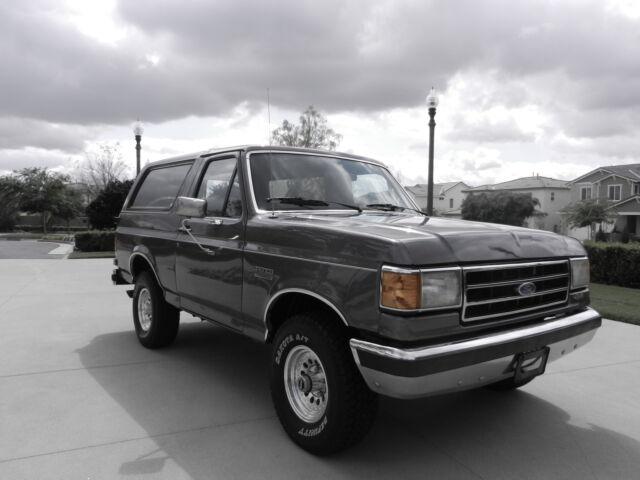 Imagen 1 de Ford Bronco  gray