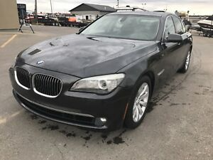 *Second Owner* 2010 BMW 750IX AWD Navi, Camera, fully loaded