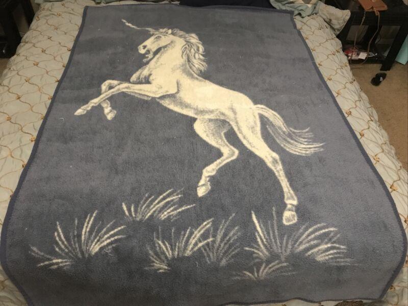 Vuteks UNICORN Large Blanket Crown Craft Vintage Reversible Blue
