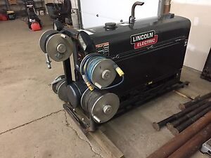 Lincoln 300d welder