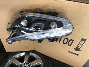 Nissan Murano driver headlight