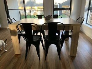 Dining table and chairs - Perfect Condition