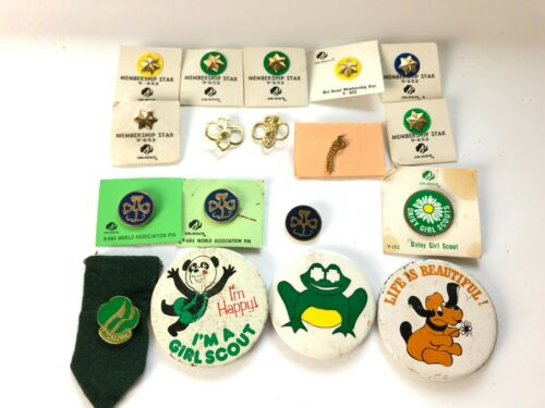 18 Vintage 1980s GIRL SCOUT PINS Membership Stars Daisy Girl Scout World Assn ++