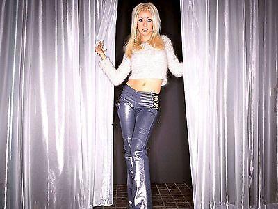 Christina Aguilera Unsigned 8x10 Photo (95)