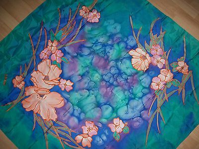 Seidentuch, Crepe de Chine Jaquard Muster Batic  ca. 105 x 105  cm  Handrolliert