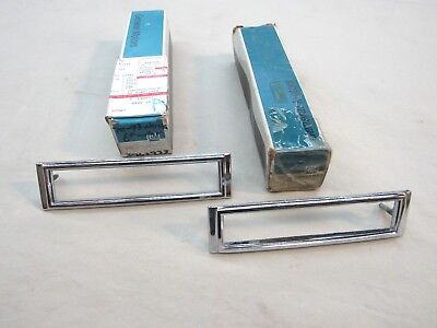 * NOS 1970-74 Chevy Nova SS 396 Yenko Front Side Marker Light Bezel GM 3962933