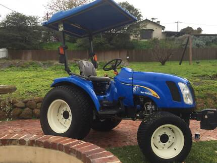 New Holland 4x4 Tractor TC31DA - As New. Albany 6330 Albany Area Preview