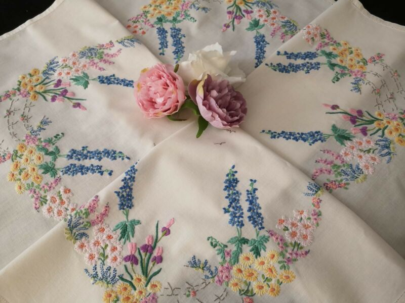 Vintage hand embroidered tablecloth ~ Beautiful English wild flowers