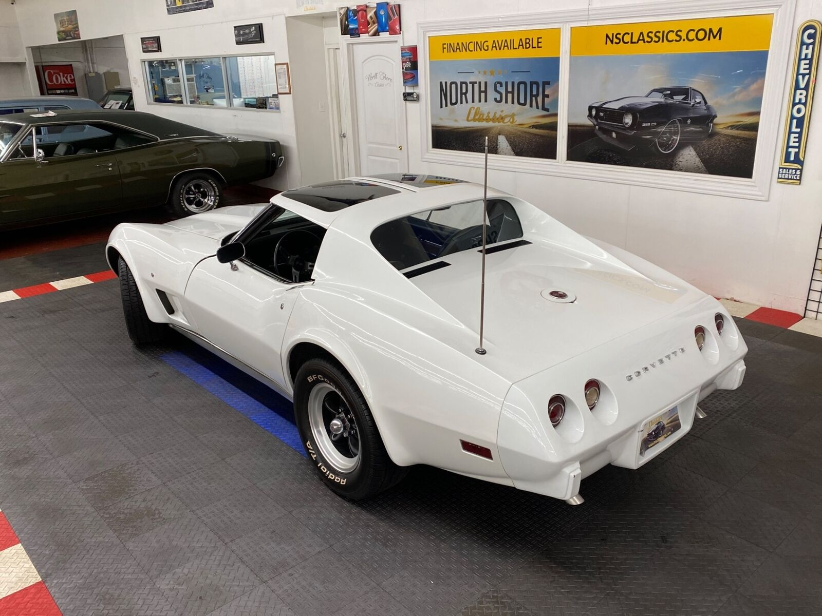1975 White Chevrolet Corvette   | C3 Corvette Photo 2