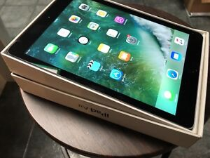 Excellent Condition 16gb iPad Air w/ 3G