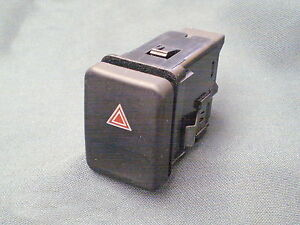 MGZR-Rover-25-Hazard-push-button-switch-YUG101900PMP