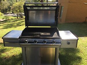 Beefeater Discovery i-1000 BBQ Yarrawarrah Sutherland Area Preview