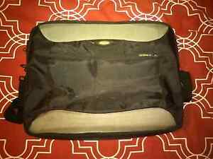 Large laptop bag Wyee Point Lake Macquarie Area Preview