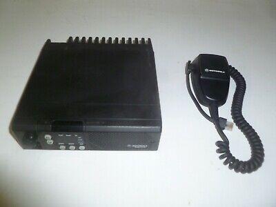 Motorola Radius Gm300 465-490 Mhz Uhf 40 Watt Two Way Radio W Mic M44gmc29c4aa