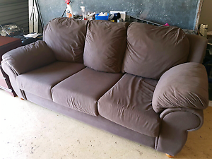 3 Seater Lounge Parkinson Brisbane South West Preview