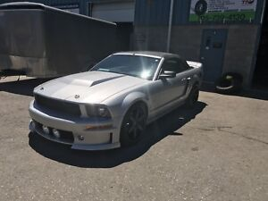 2005 Mustang GT Convertible Low KMS!!!!!